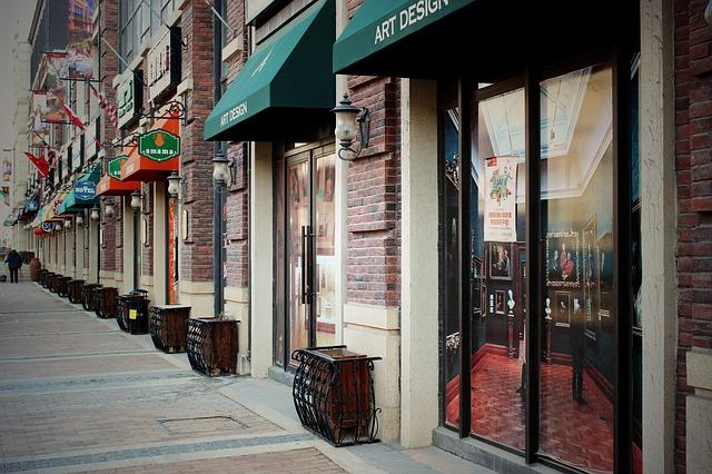 Grudniowa reklama sklepów tradycyjnych i stacjonarnych – to już czas!